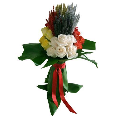 Bouquet de Rosas Multicolor com Espigas